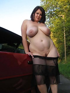 BBW Flashing Pics