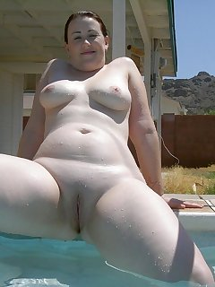 Housewife BBW Pics