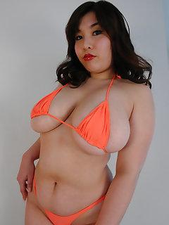BBW Bikini Pics